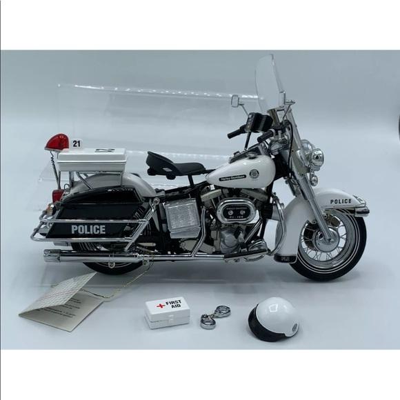Franklin mint Harley Davidson police patrol bike